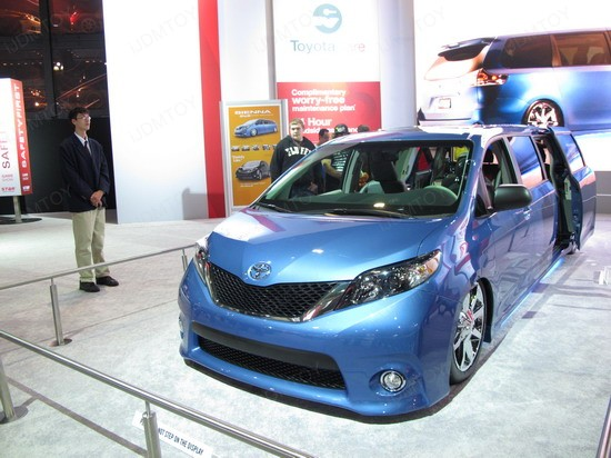 Toyota Sienna VIP Style